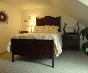 Room E: Mountain-View Room with Free-Standing Gas Fireplace, 3rd Floor